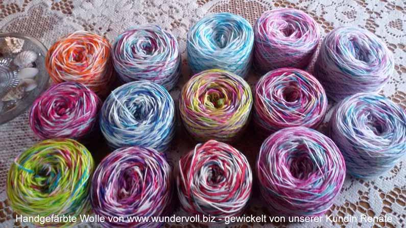 Gewickelte handgefärbte Wolle sieht klasse aus